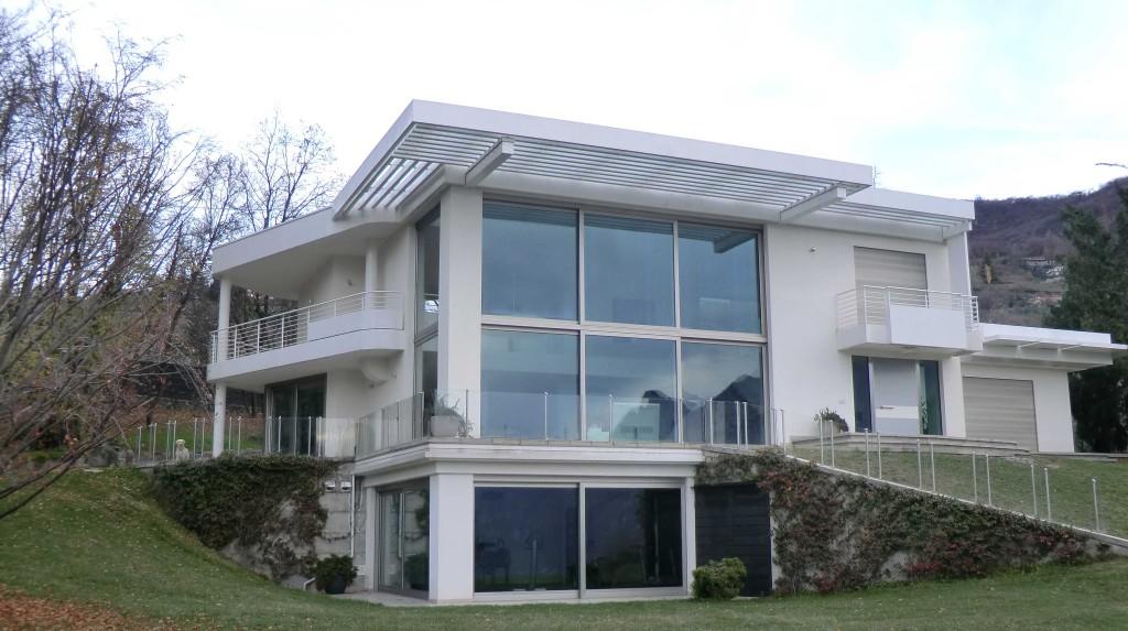 Villa comune di Riva di Solto