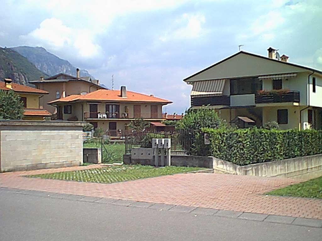 b2-Villetta-trifamigliare-Rogno.jpg